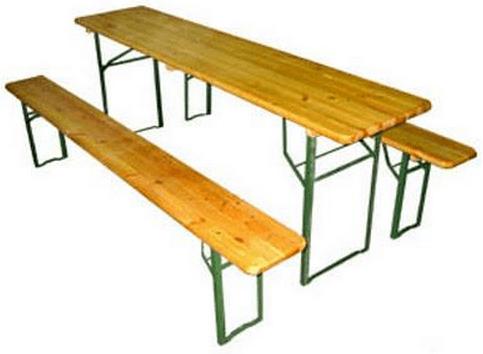 Раскладной стол и две скамейки